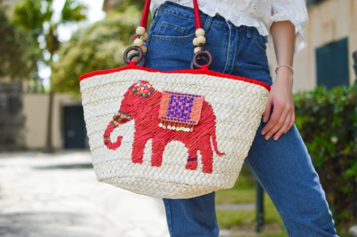 Pletenaya sumka vyishivka Wicker bag embroidery 6016  4000 700x464 Плетеная сумка, вышивка   Wicker bag, embroidery