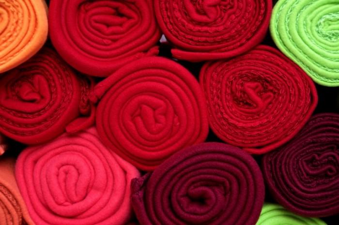 Rulonyi sherstyannoy tkani Rolls of woolen fabric 6016  4000 700x464 Рулоны шерстянной ткани   Rolls of woolen fabric