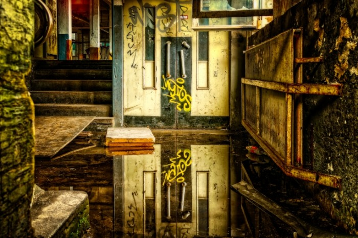 Zabroshennyiy dom hdr Abandoned house hdr 5835  3890 700x466 Заброшенный дом, hdr   Abandoned house, hdr