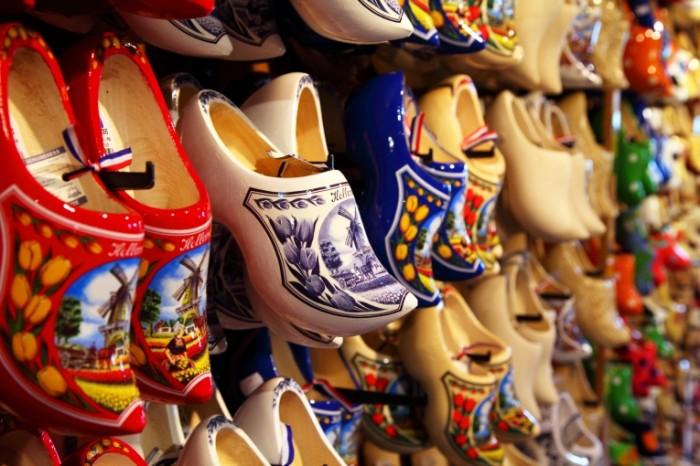 Derevyannyie bashmachki suveniryi obuv Gollandiya Wooden shoes souvenirs shoes The Netherlands 5616  3744 700x466 Деревянные башмачки, сувениры, обувь Голландия   Wooden shoes, souvenirs, shoes The Netherlands
