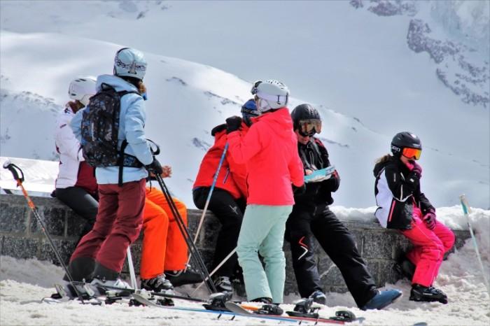 Gornolyizhnyiy kurort turizm alpyi Ski resort tourism alps 6000  4000 700x466 Горнолыжный курорт, туризм, альпы   Ski resort, tourism, alps