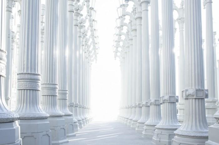Kolonnada grecheskie kolonnyi Fonari Colonnade Greek columns Lanterns 5107  3404 700x465 Колоннада, греческие колонны, Фонари   Colonnade, Greek columns, Lanterns