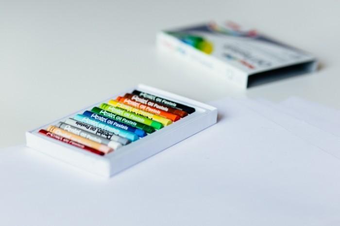 TSvetnyie karandashi voskovoy melok makro Color pencils wax crayon macro 5091  3394 700x466 Цветные карандаши, восковой мелок, макро   Color pencils, wax crayon, macro