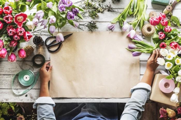 TSvetyi tsvetochnik bumaga upakovka remeslo Flowers florist paper packaging craft 5000  3337 700x466 Цветы, цветочник, бумага, упаковка, ремесло   Flowers, florist, paper, packaging, craft