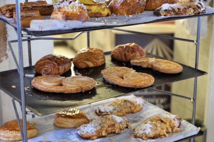 Vyipechka krendel sladosti Baking pretzel sweets 5851  3901 700x466 Выпечка, крендель, сладости   Baking, pretzel, sweets