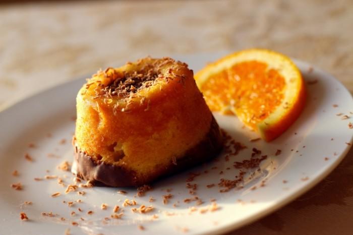 Apelsinovoe pirozhnoe desert makro Orange cake dessert macro 5472  3648 700x466 Апельсиновое пирожное, десерт, макро   Orange cake, dessert, macro