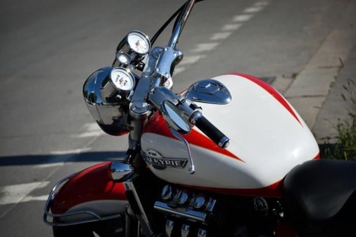 Hromirovannyiy rul mototsikl Chrome plated steering wheel motorcycle 6000  4000 700x466 Хромированный руль, мотоцикл   Chrome plated steering wheel, motorcycle