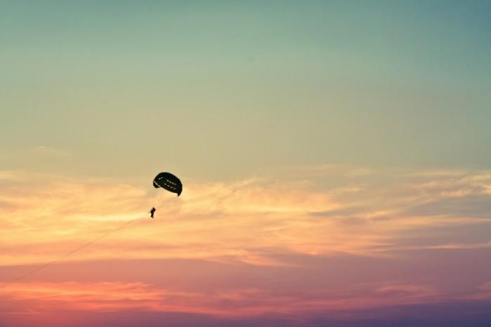 Paraseyling parashyut otdyih Parasailing parasailing rest 5184  3456 700x466 Парасейлинг, парашют, отдых   Parasailing, parasailing, rest