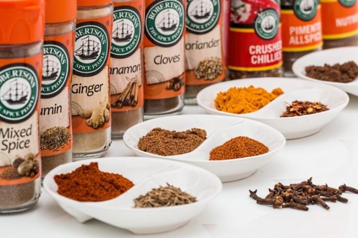 Spetsii pryanosti pripravyi Spices spices condiments 5440  3627 700x466 Специи, пряности, приправы   Spices, spices, condiments