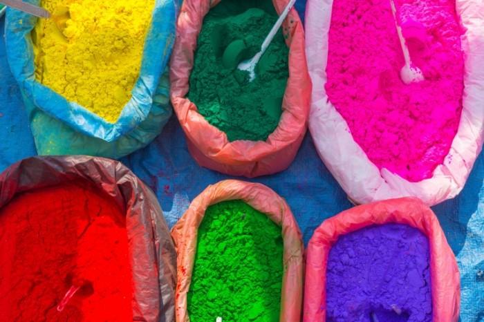 TSvetnoy poroshok prazdnik krasok v nepale Colored powder holiday of colors in Nepal 6000  4000 700x466 Цветной порошок, праздник красок в непале   Colored powder, holiday of colors in Nepal