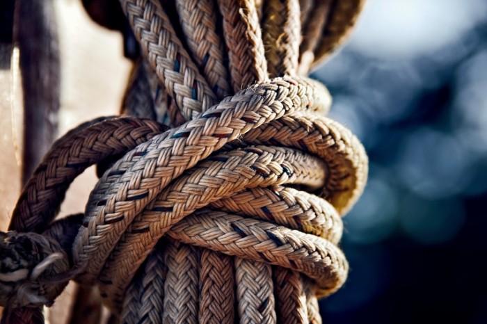Verevka kanat uzel morskaya osnastka Rope rope knot marine equipment 6000  4000 700x466 Веревка, канат, узел, морская оснастка   Rope, rope, knot, marine equipment