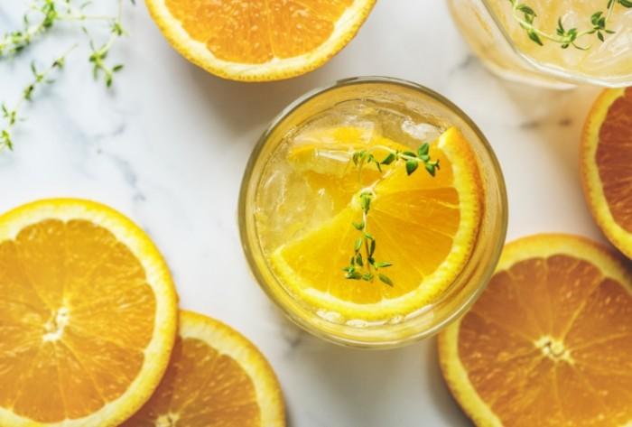Апельсиновый лимонад, прохладительный напиток   Orange lemonade, soft drink