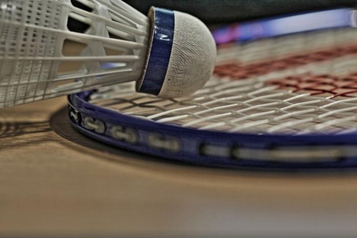 Badminton raketka volanchik makro Badminton racket volanchik macro 5184  3456 700x466 Бадминтон, ракетка, воланчик, макро   Badminton, racket, volanchik, macro