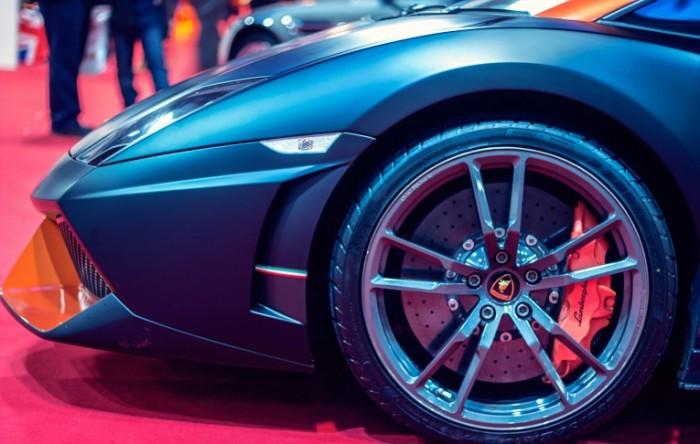 Lambordzhini sportivnyie diski koleso Lamborghini sports wheels wheel 5184h3296 700x444 Ламборджини, спортивные диски, колесо   Lamborghini, sports wheels, wheel