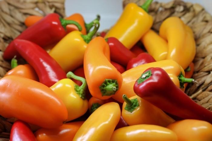 Paprika krasnyiy perets bolgarskiy perets makro Paprika red pepper bell pepper macro 6000h4000 700x466 Паприка, красный перец, болгарский перец, макро   Paprika, red pepper, bell pepper, macro