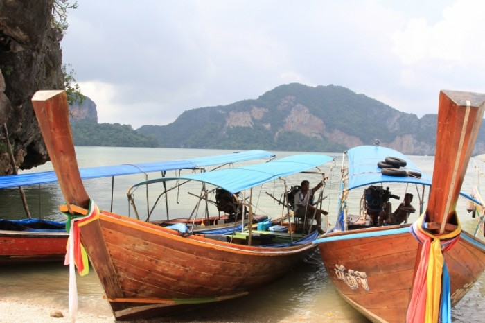 Plyazh Tailand lodki ryibatskie shhunyi Beach Thailand boats fishing schooners 5184  3456 700x466 Пляж, Таиланд, лодки, рыбацкие шхуны   Beach, Thailand, boats, fishing schooners