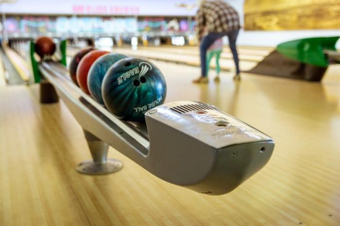 SHaryi dlya boulinga bouling otdyih igra Balls for bowling bowling rest game 5760  3840 700x466 Шары для боулинга, боулинг, отдых, игра   Balls for bowling, bowling, rest, game