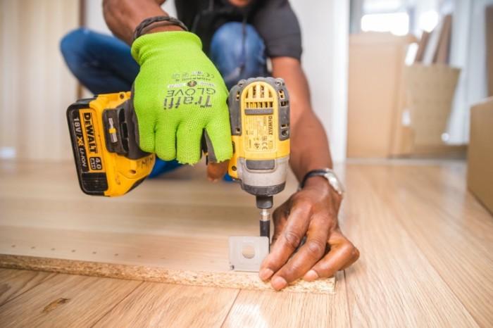 Сборка мебели, ремонт, инструмент, шуруповерт   Assembling of furniture, repair, tools, screwdriver