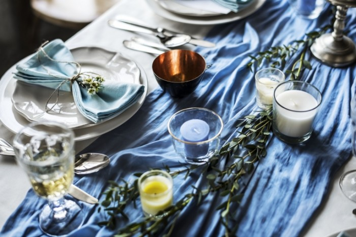 Сервировка, праздничный стол, драпировка стола   Serving, festive table, table draping