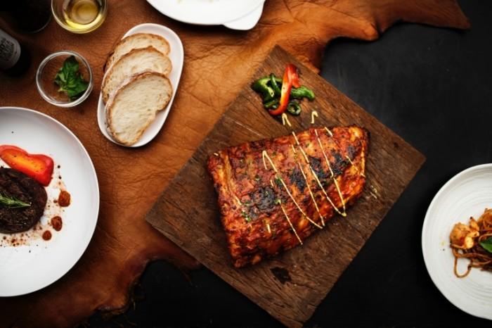 Zapechennoe myaso kuhnya steyk Baked meat kitchen steak 4000h2669 700x466 Запеченное мясо, кухня, стейк   Baked meat, kitchen, steak