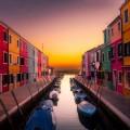 Канал, пристань между домами, венеция - Canal, pier between houses, venice
