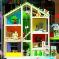 Кукольный домик, игрушки, куклы, витрина детского магазина - Doll house, toys, dolls, showcase of children's shop