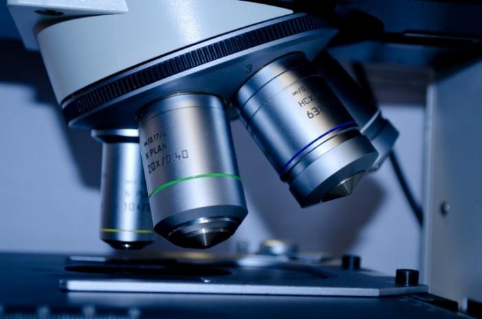 Mikroskop issledovaniya nauchnyiy Microscope research scientific 4928  3264 700x463 Микроскоп, исследования, научный   Microscope, research, scientific