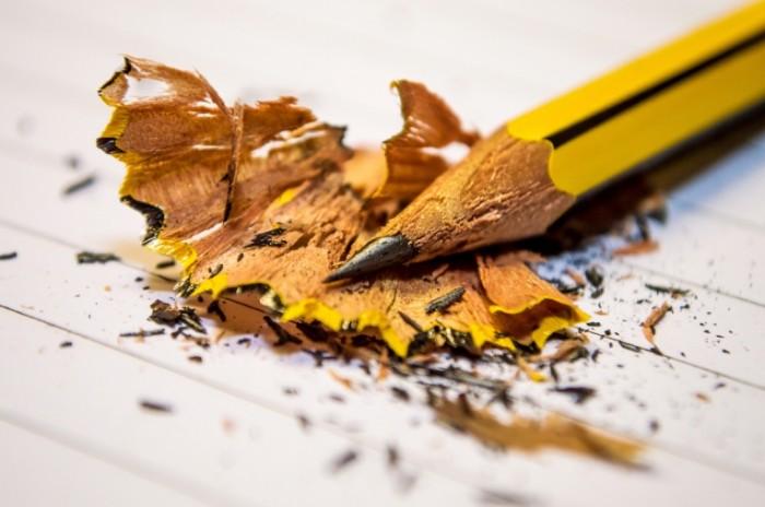 Ostryiy zatochennyiy karandash Sharpened sharp pencil 6016  4000 700x464 Острый заточенный карандаш   Sharpened sharp pencil