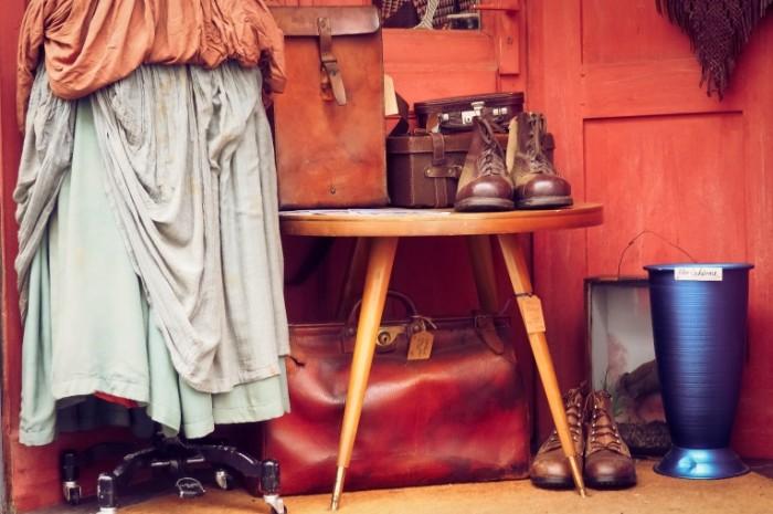 Starinnyie veshhi auktsion antikvariat Antiques auction antiques 4576  3050 700x465 Старинные вещи, аукцион, антиквариат   Antiques, auction, antiques