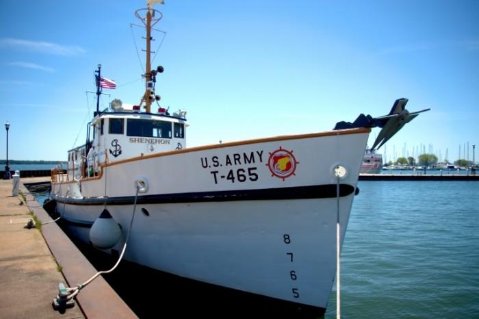 Voennyiy kater beregovaya ohrana sudno Military boat coast guard ship 4750  3171 700x466 Военный катер, береговая охрана, судно   Military boat, coast guard, ship