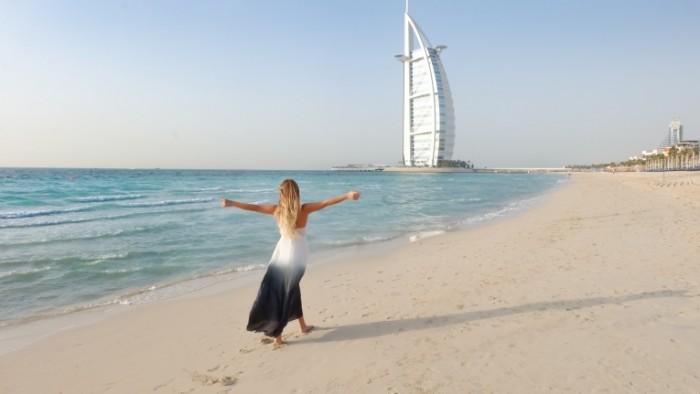 Devushka plyazh dubai oae` burdzh halif Girl Beach Dubai UAE Burj Caliph 4623h2606 700x394 Девушка, пляж, дубаи, оаэ, бурдж халиф   Girl, Beach, Dubai, UAE, Burj Caliph