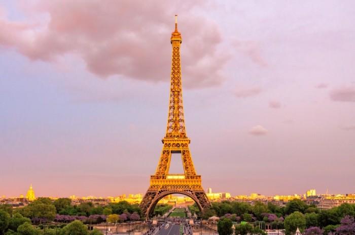 Parizh e`yfeleva bashnya eliseyskie polya Paris Eiffel Tower Champs Elys  es 4601h3067 700x465 Париж, эйфелева башня, елисейские поля   Paris, Eiffel Tower, Champs Elysées
