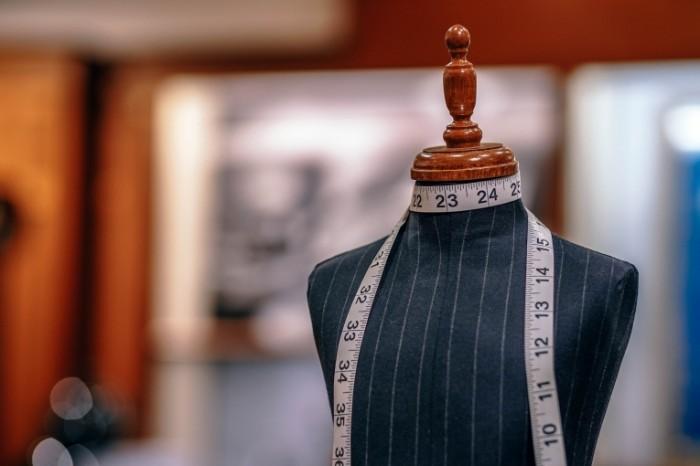 Poshiv odezhdyi na zakaz portnovskiy maneken Tailoring to order tailors dummy 6000h4000 700x466 Пошив одежды на заказ, портновский манекен   Tailoring to order, tailors dummy