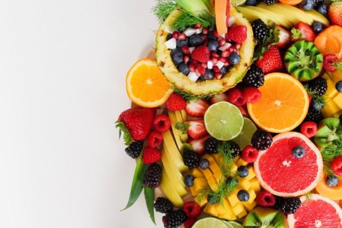 Фрукты, нарезанное фруктовое ассорти   Fruits, sliced fruit platter