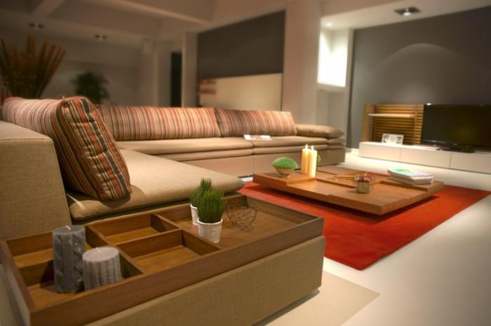 Sovremennyiy lakonichnyiy dizayn gostinnoy v bezhevyih tonah Modern sleek design living room in beige tones 6046  4031 700x466 Современный лаконичный дизайн гостинной в бежевых тонах   Modern sleek design living room in beige tones
