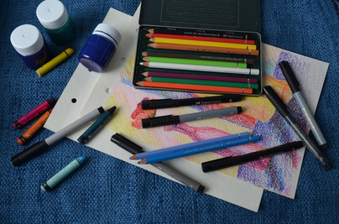 Karandashi guash flomasteryi risunok Pencils gouache felt tip pens drawing 4928  3264 700x463 Карандаши, гуашь, фломастеры, рисунок   Pencils, gouache, felt tip pens, drawing