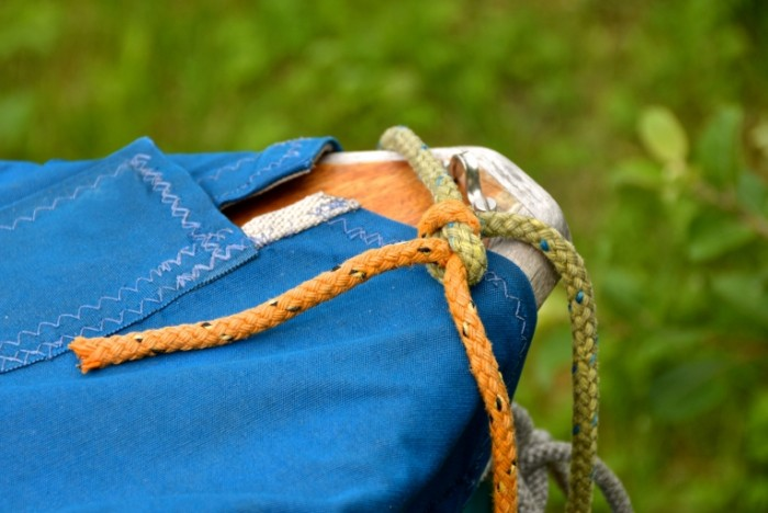 Sinyaya tkan uzel iznanka tekstil Blue fabric knot reverse side textile 5181  3471 700x468 Синяя ткань, узел, изнанка, текстиль   Blue fabric, knot, reverse side, textile