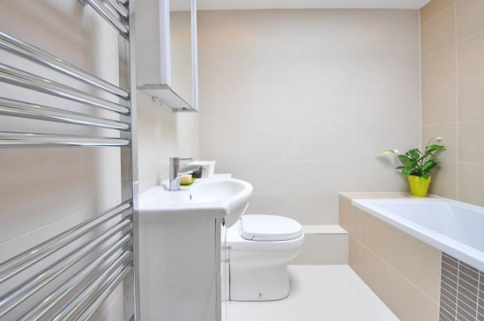 Svetlaya vannaya komnata Bright bathroom 4288  2848 700x464 Светлая ванная комната   Bright bathroom