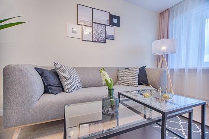 Интерьер гостинной квартиры в пастельных тонах   interior of the living room apartment in pastel colors
