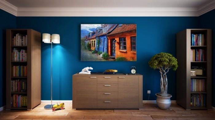 Интерьер квартиры, синии обои, мебель   Apartment interior, blue wallpaper, furniture