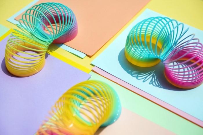 Zmeyka pruzhinka yarkie kraski Snake spring bright colors 5000  3333 700x465 Змейка, пружинка, яркие краски   Snake, spring, bright colors
