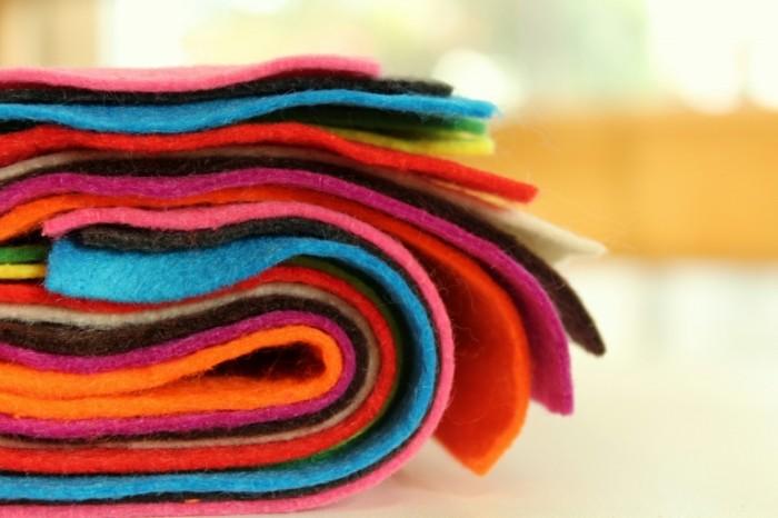 YArkiy tsvetnoy voylok sherst Bright colored felt wool 5184  3456 700x466 Яркий цветной войлок, шерсть   Bright colored felt wool